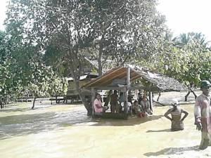 Masyarakat Terjebak Banjir